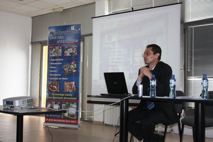Seminar (4)