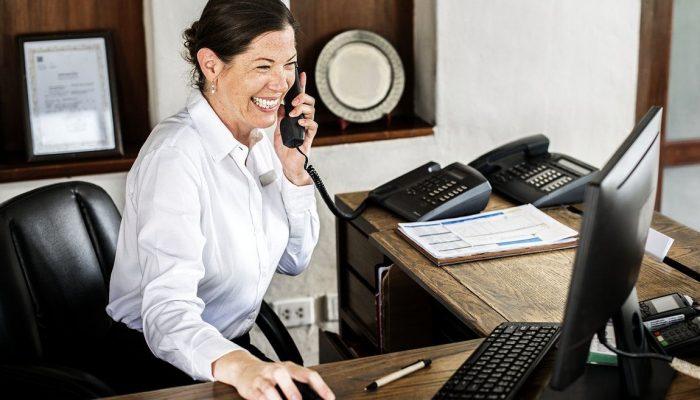 receptionist1